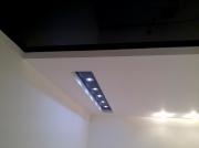 Натяжной потолок черный глянец базовый, переход  матовый  белый