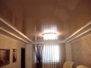 Натяжной потолок глянецевый коричневый