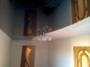 Натяжной потолок двухцветный глянцевый