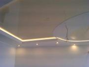 Натяжной потолок из глянца светлый беж