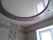 Натяжной потолок дизайн в гостинной