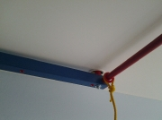 Натяжной потолок. Крепление оборудования, обвод трубы.
