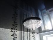 Натяжной потолок черный глянец