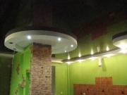 Натяжной потолок. Конструкция полностью выполнена полотном ПВХ